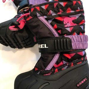 Girls Sorel size 5 purple